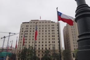 O Pacífico de um lado e os Andes do outro: isso é Santiago!